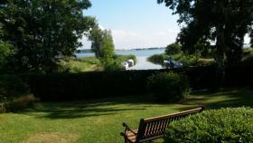 Foto 2 Rügen - Ferienhaus direkt am Bodden, ruhige Lage, aktuell frei !