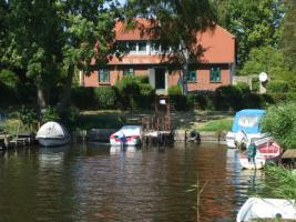 Foto 3 Rügen - Ferienhaus direkt am Bodden, ruhige Lage, aktuell frei !