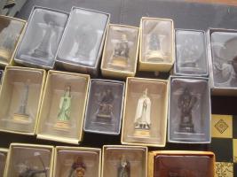 Foto 2 Schachbrett Figuren ( Der Herr der Ringe ) Sammlung