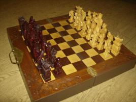 Schachspiel Handgeschnitzt