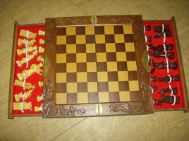 Foto 2 Schachspiel Handgeschnitzt