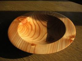 Foto 2 Schale aus Lärchenholz