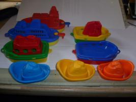 Schiffe  Spielzeug schiff  für die Badewanne 8 Stück