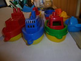 Foto 3 Schiffe  Spielzeug schiff  für die Badewanne 8 Stück