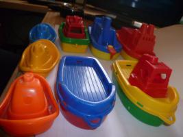 Foto 5 Schiffe  Spielzeug schiff  für die Badewanne 8 Stück