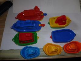Foto 7 Schiffe  Spielzeug schiff  für die Badewanne 8 Stück