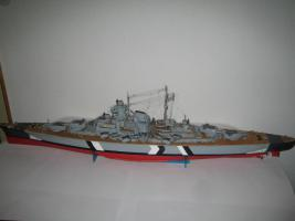 Schlachtschiff Bismarck von Hachette 1:200 zusammengebaut