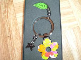 Foto 6 SchlüsselanhängerTroika Schlüsselanhänger Karim Rashid neu noch nie in Gebrauch abzugeben. Messing, verchromt, glänzend, mehrfarbig  es sind 57 Schlüsselanhänger , alternativ habe ich auch Schlüsselanhänger als 9 Stck Flaschenöffner und 12Stck Schlüsselan