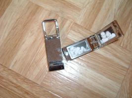 Foto 10 SchlüsselanhängerTroika Schlüsselanhänger Karim Rashid neu noch nie in Gebrauch abzugeben. Messing, verchromt, glänzend, mehrfarbig  es sind 57 Schlüsselanhänger , alternativ habe ich auch Schlüsselanhänger als 9 Stck Flaschenöffner und 12Stck Schlüsselan