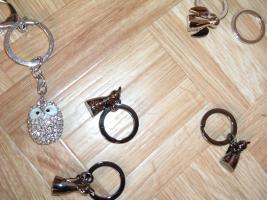 Foto 11 SchlüsselanhängerTroika Schlüsselanhänger Karim Rashid neu noch nie in Gebrauch abzugeben. Messing, verchromt, glänzend, mehrfarbig  es sind 57 Schlüsselanhänger , alternativ habe ich auch Schlüsselanhänger als 9 Stck Flaschenöffner und 12Stck Schlüsselan