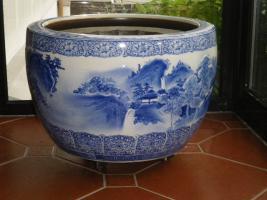 Schön dekorierte Japanische Hibachis (Keramiktöpfe)