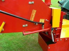 Foto 6 Schredder Häcksler Holzhäcksler Holzschredder 200 mm inkl. Zapfwelle  WC-8