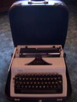 Foto 4 Schreibmaschine Erika DDR, Kofferschreibmaschine, Reiseschreibm.