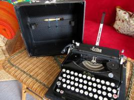 Foto 3 Schreibmaschine Naumann Erika-Koffer-