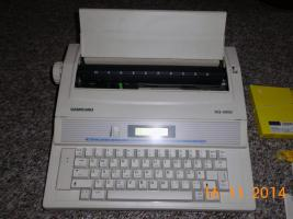 Foto 2 Schreibmaschine, elektronisch