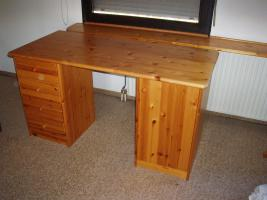 Schreibtisch kiefer natur in sigmaringen kiefer holz for Schreibtisch kiefer natur