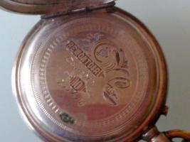 Foto 2 Sehr schöne alte Taschenuhr! In der aufgeklapten Uhr steht:Remontoir Cylindre 10Rubys.
