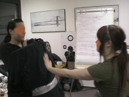 Foto 11 Selbstverteidigung- STREET DEFENSE HOME DEFENSE BASIC COURSE WOMAn and GIRL international Weihnachtsgeschenk Selbstverteidigungs Training Mädchen und Frauen . der Gutschein im VFSDS