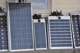 Foto 2 Semi Flexibel Solarpanel Solarmodul 10wp bis 120wp Mono oder Poly www.solarandwind.ch Grosse Auswahl!