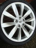 Set 18 ''Proline Audi Audi A6 Allroad und A8 5x112 Alls New  Leistungen:  Satz von 18-Zoll-Felgen mit New Set. Reifen (siehe Foto) in der Größe 225/40 ZR18 92W  Diese Felgen passen (Subjekt) auf Autos unter sich benutzt VW Caddy Bj. 2006  Volkswagen:  Gol