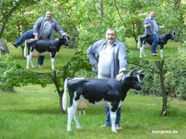 Sie Melk Kuh passt sogar auf Deinen Balkon wo Du dann … richtig meklen kannst was und wen Du es Willst ...