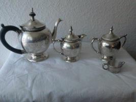 Foto 2 Silver Plated Teekannenset. (IMF)
