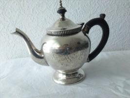 Foto 9 Silver Plated Teekannenset. (IMF)