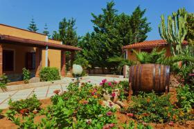 Sizilien, herrlich gelegenes Ferienhaus am Meer privat fuer 2-4 Personen zu vermieten!