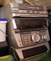 Sony Stereo Anlage mit 2 Boxen+ 3 fach CD-Wechseler +MD Player