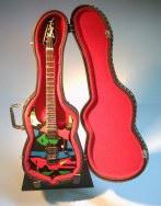 Foto 6 Spezial Miniaturgitarre Köcher + Standard
