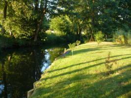 Der Mittelkanal mit Bootssteg
