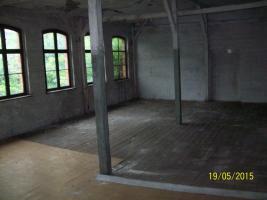 Foto 2 Stark sanierungsbedürftiges Hinterhaus im Hof in Weißenfels zu vermieten