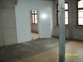 Foto 3 Stark sanierungsbedürftiges Hinterhaus im Hof in Weißenfels zu vermieten