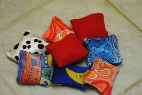 Stinkekissen , Spielzeug mit Baldrian für Katzen