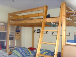 stora hochbett von ikea in frankfurt kiefer hochbett. Black Bedroom Furniture Sets. Home Design Ideas