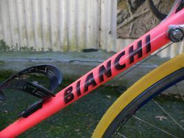 Foto 8 Straßenrennrad von BIANCHI , 18 Gang - Kette von SHIMANO - EXAGE