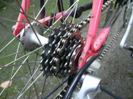 Foto 11 Straßenrennrad von KTM , 14 Gang - Kette von SHIMANO - 105
