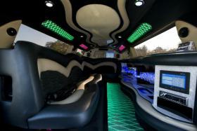 Foto 11 Stretchlimousine mieten Limousinenservice Chauffeurservice Hochzeitsauto
