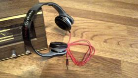 Stylische Trend-Kopfhörer, schwarz wie neu