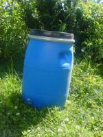 Suche 30 l Spannringfässer aus Kunststoff