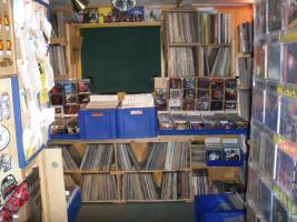 Foto 3 Suche Schallplatten und CD`s - Metal - Punk - HC - AOR - Hardrock - Indie-usw.....