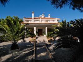 Südspanien, Strandnähe:10 Zi Villa