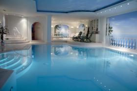 Swimmingpool + Sauna verwöhnen Sie in exclusivem Ambiente