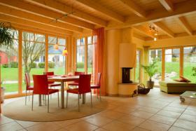 Foto 2 Swimmingpool + Sauna verwöhnen Sie in exclusivem Ambiente