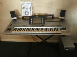 TOP-Keyboard YAMAHA TYROS 4 mit 250GB Festplatte