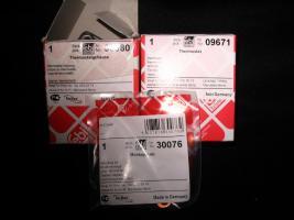 Foto 3 Thermostatgehäuse mit kpl. Zubehör und Thermostat (-Ventil ) für Mercedes Benz W201 , W123 und W124 – Neuteile - – für diverse MB Typen ! Preis incl. Versand : 70 Euro  -