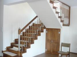 Foto 2 Treppe aus Polen vom Tischler Treppen Massivholz Hersteller Holz