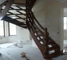 Foto 7 Treppe aus Polen vom Tischler Treppen Massivholz Hersteller Holz