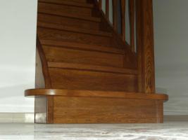 Foto 5 Treppe, Holztreppe, Massivholztreppe, Innentreppe, Treppe aus Polen , Polnische Treppe, Treppenhaus