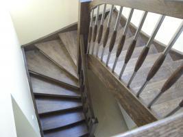Foto 6 Treppe, Holztreppe, Massivholztreppe, Innentreppe, Treppe aus Polen , Polnische Treppe, Treppenhaus